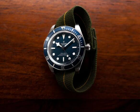 Discussing of Tudor Black Bay Fifty-Eight Navy Blue And New Partnership With French Navy 3